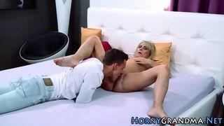 Amateurpaar beim ausgiebigem Oralsex