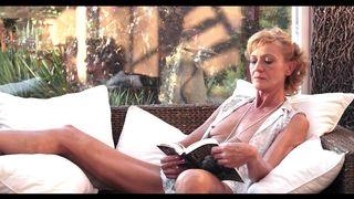 Deutsch oma pornos – 70 jährige fette amateur schlampe