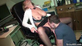 Dreier Porno mit geilen Amateuren