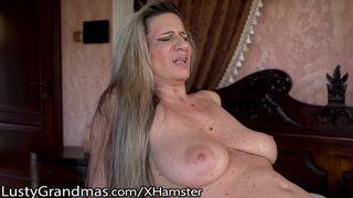 Geile Hausfrau Alina dreht Pornos