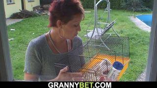 Groß mütter chens Intimbereich schön unrasiert