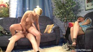 Heißer Striptease von Sexy Cora