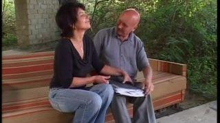 Oma im Sexfieber