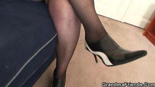 Reife Frau in High Heels von Ronny gefickt