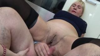 Reife Frauen ficken mit dem Nachbarn