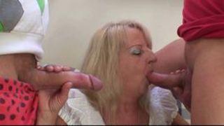 Tante Fickt ihren jungen Neffen Inzest Porno