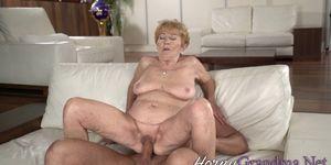 Inzest Sex mit der 70 jährigen Oma