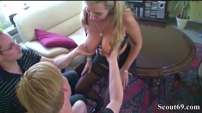 Deutsche Hausfrau bereit zum Fick
