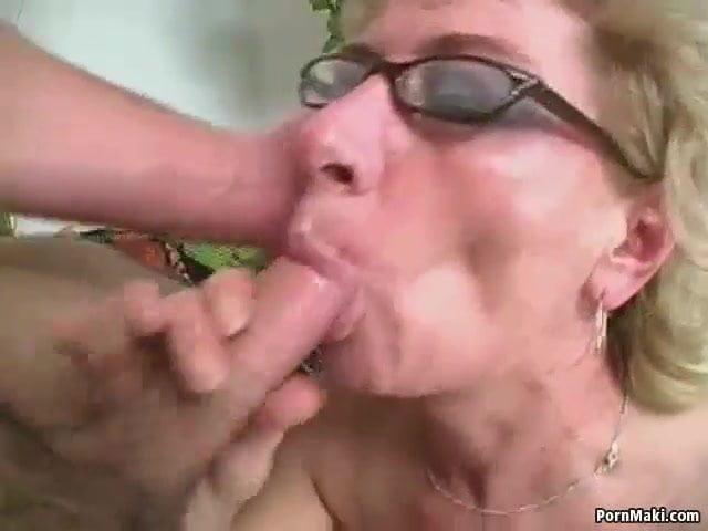 Blowbang Sex mit fünf Kerlen